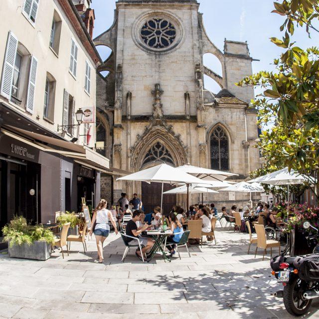 Parvis Saint-Aspais